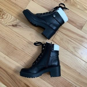 Indigo Rd Megan Black Zip Booties Size 6.5